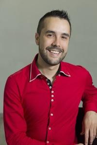 Iván, profesor de bailes latinos, salsa, bachata y bailes de salón.
