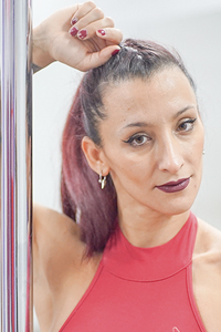 Nini Storm, profesora de Pole Dance