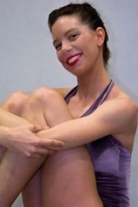 Tamara, profesora de danza clásica, danza contemporánea, jazz-lírico, coreografía de musicales y flexibilidad